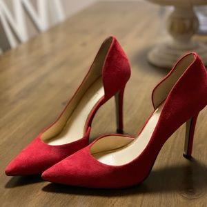 Red Jessica Simpson pumps!